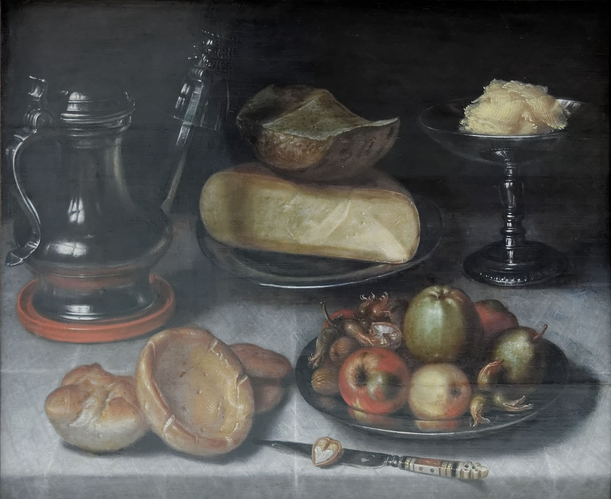 有锡壶、水果和奶酪的静物画_Still Life with Pewter Jug, Fruit and Cheese-弗洛里斯·范·戴克